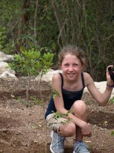 Riviera Maya: Plant a tree | Planta un árbol