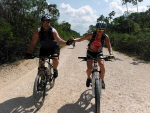mountain-bike-in-riviera-maya-cancun-TR7D
