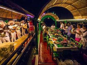fiestas patrias en Riviera Maya
